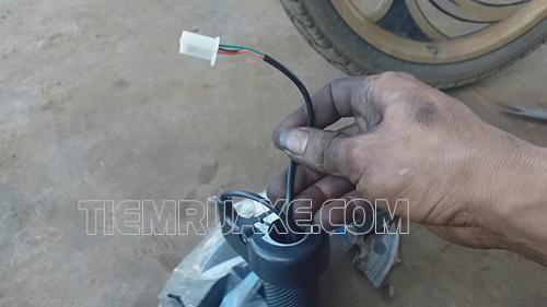 sửa tay ga xe đạp điện