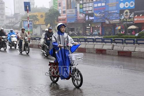không nên đi xe đạp quá lâu trong trời mưa