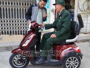 xe đạp điện ba bánh giúp đỡ các thương binh trong việc đi lại