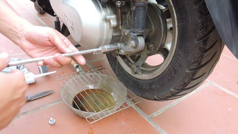 quy trình thay dầu xe