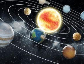 Năm ánh sáng là đơn vị dùng để đo khoảng cách các hành tinh trong vũ trụ