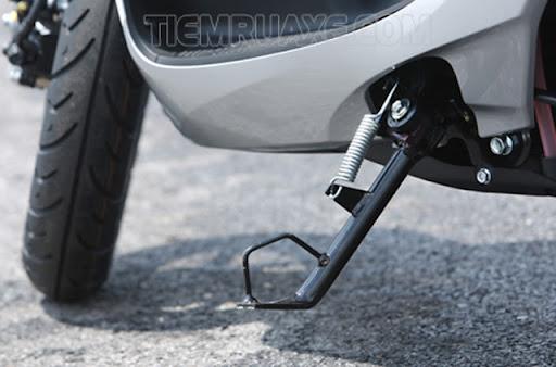 Quên gạt chân chống cũng khiến xe của bạn không thể đề được