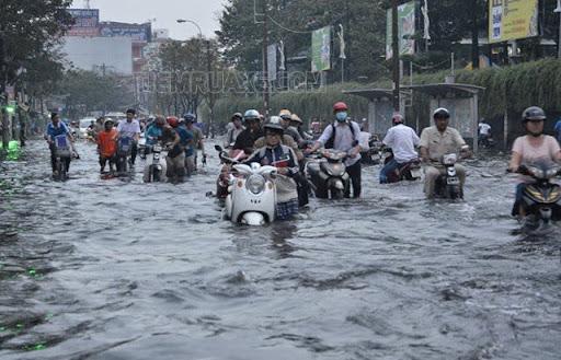 Xe bị ngập nước quá lâu khiến bạn không đề được ga